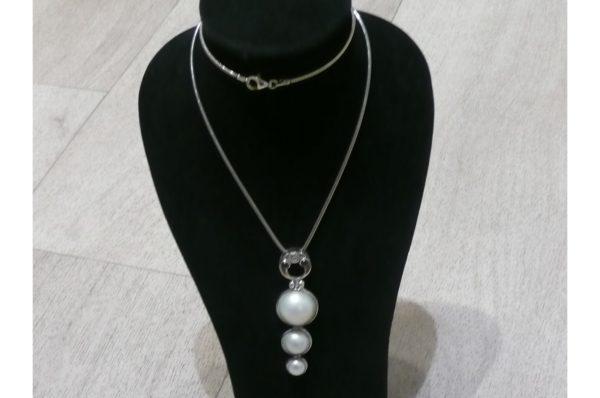 pendentif Mabé – perles d'eau douce montées sur argent avec 2 petits grenats – 6 cm de haut